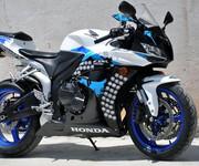 本田CBR600RR摩托车跑车街车图片