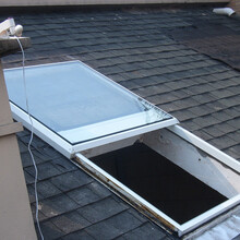 供给智能遥控屋顶天窗兮鸿主动平移天窗图片