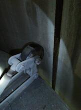 立井竖井凿井保护盘固定器