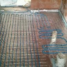 豬圈地暖視頻,豬圈電地熱,豬用地熱毯,養豬地暖安裝視頻教學,豬舍電地熱,保育地暖板圖片