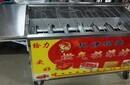 武汉6排燃气烤鸡炉经过改装烧烤速度更快6排叉子7个火头根据客户要求改装而成