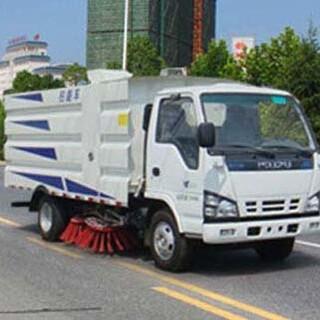 小型道路清扫车解放扫路车价格国六扫路车厂家新款扫地车图片3