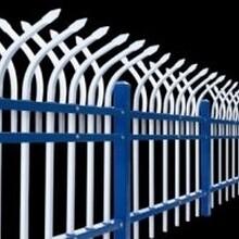 双向弯头锌钢护栏价格,双向防爬攀护栏介绍临朐华胤护栏厂图片
