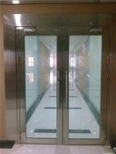 东城区安装维修玻璃门地弹簧东城区安装维修卷帘门