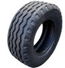 厂家生产9.5-16.5农机具导向花纹轮胎图片
