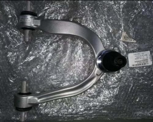 奥迪R8上摆臂差速器冷气泵喷油嘴水箱方向机刹车盘