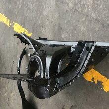 宝马X3F25右前纵梁冷气泵喷油嘴鼓风机倒车镜方向盘机油泵图片