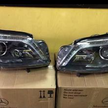 奔驰GL级GL350GL400GL500氙气大灯水箱图片