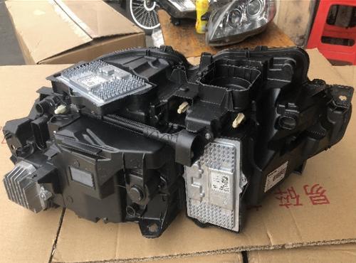 18款沃尔沃S90大灯空调泵三元催化机脚胶叶子板