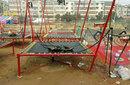 新疆阿克苏公园儿童钢架蹦极深受欢迎新款手摇式蹦极床图片