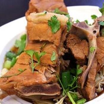 精心学习美食快餐排骨米饭做法,本溪正宗排骨米饭加盟教授