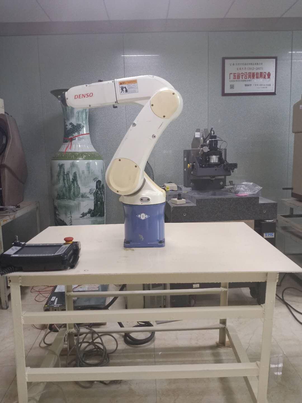 出售二手垂直多关节产品工业用机器人DENSO