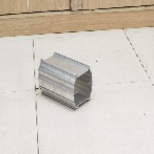 挤压电阻散热器,粉末喷涂铝板,矿灯太阳花散热器图片