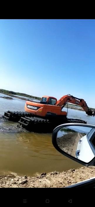 启东附近海边清淤挖掘机出租水挖机租赁服务