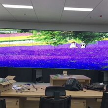 巨显拼接屏巨显品牌GXZSJ广告机巨显大屏巨显监控器图片