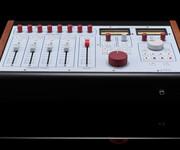 RupertNeve5060Centerpiece24x2桌面调音台图片