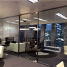 如何巧用办公室玻璃隔断